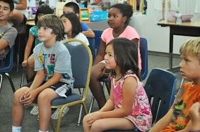 Kids_watching_Glen