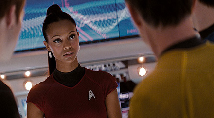 zoe-saldana-as-lieutenant-uhura-2